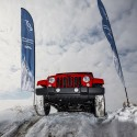 thumbs jeep off road snow 04
