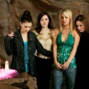 """Charmed  """"Vaya Con Leos"""" (Episode #810) Image #CH810-0787 Pictured (l-r): Alyssa Milano as Phoebe Halliwell, Rose McGowan as Paige Matthews, Kaley Cuoco as Billie, Holly Marie Combs as Piper Halliwell Credit: ????The WB/Mitchell Haddad"""