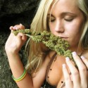 thumbs ganja girls 01