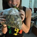 thumbs ganja girls 25