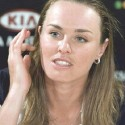 thumbs martina hingis 34