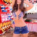emily-ratajkowski-carls-jr-hardees-commercial-1