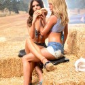 thumbs sara underwood emily ratajkowski carls jr hardees commercial 5