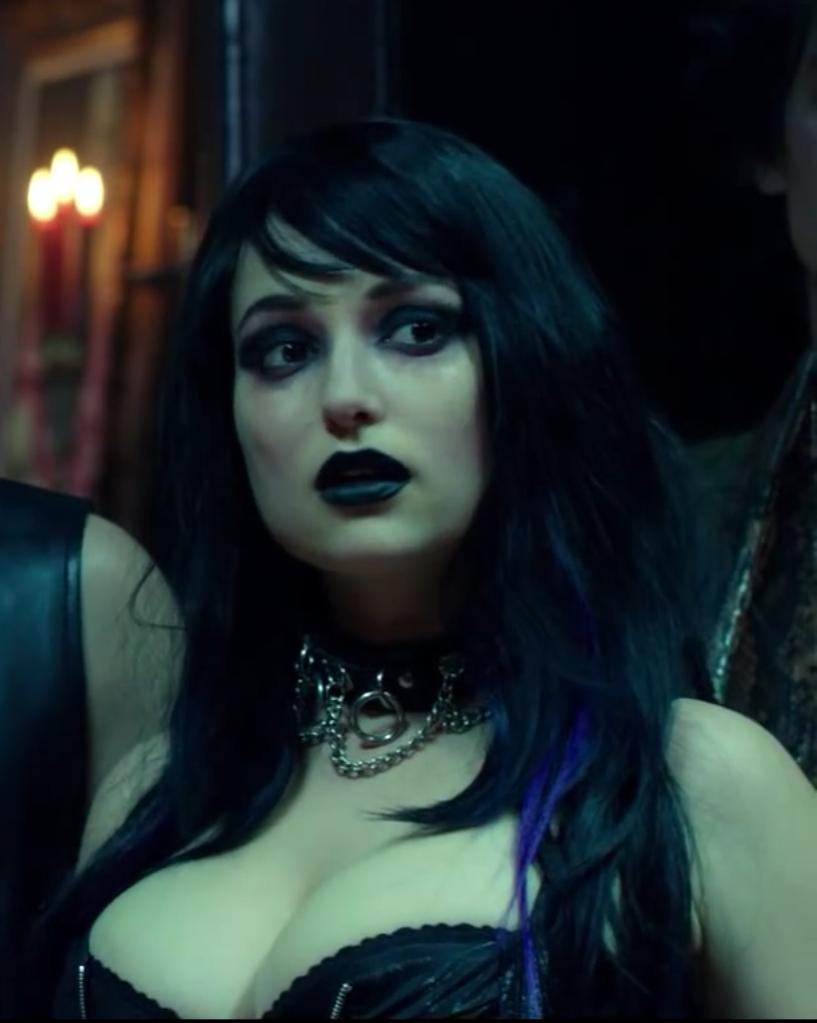 Milana Vayntrub : Hot and Nerdy