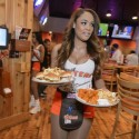 thumbs xxx hooters02 4 3 r536 c534
