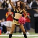 thumbs nfl cheerleaders pink cancer 25