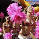 thumbs nfl cheerleaders pink cancer 45