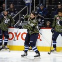 thumbs nhl salute military veterans day 10