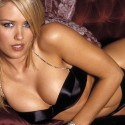 thumbs nicky whelan 16