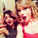 thumbs aa taylor swift sarah hyland