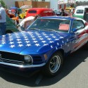 thumbs ford mustang american flag