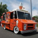 thumbs ice cream truck 030