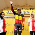 thumbs podium girls 32