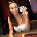thumbs poker ladies 032