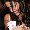 thumbs poker ladies 051