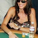 thumbs poker ladies 052