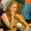 thumbs poker ladies 058