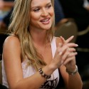 thumbs poker ladies 064