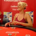 thumbs poker ladies 092