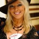 thumbs poker ladies 093