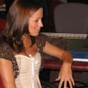 thumbs poker ladies 097