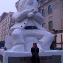 thumbs pop culture snow sculpture 04