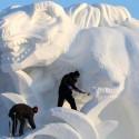 thumbs pop culture snow sculpture 17