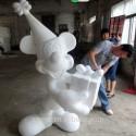 thumbs pop culture snow sculpture 38