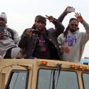 thumbs ravens super bowl parade boldin smith