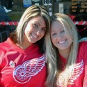 thumbs red wings girls 01