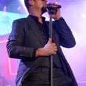 robin-thicke-virgin-freefest-01