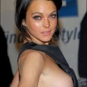thumbs celebrity sideboob 79