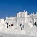 thumbs snow castle 03