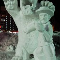 thumbs snow sculpture 10