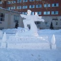 thumbs snow sculpture 100