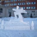 thumbs snow sculpture 100
