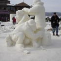 thumbs snow sculpture 105