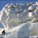 thumbs snow sculpture 107