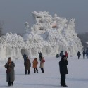 thumbs snow sculpture 53