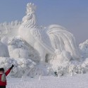 thumbs snow sculpture 54
