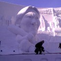 thumbs snow sculpture 73