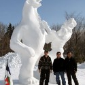 thumbs snow sculpture 90