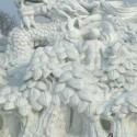 thumbs snow sculpture 92