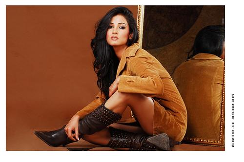 Sonal Chauhan Suhel: Sonal Chauhan : Bollywood Babe #21