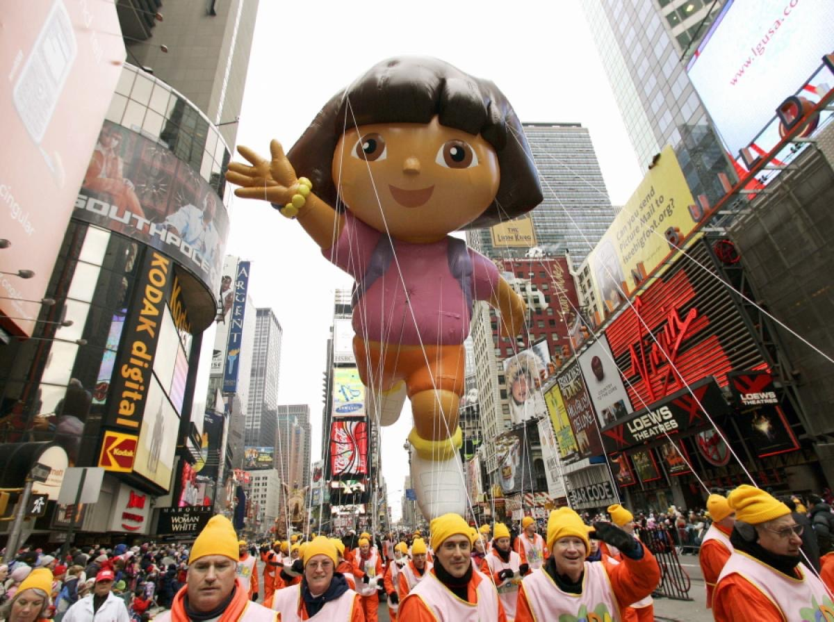 how to get tickets to the macy thanksgiving day parade