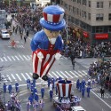 A balloon float makes its way down 6th Ave during the Macy's Thanksgiving Day Parade in New York, November 22, 2012.   REUTERS/Carlo Allegri  (UNITED STATES - Tags: SOCIETY ENTERTAINMENT)