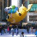 thumbs thanksgiving day parade balloons 085