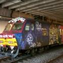 thumbs train graffitti 01