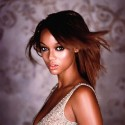 thumbs tyrabanks 15