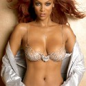 thumbs tyrabanks 32